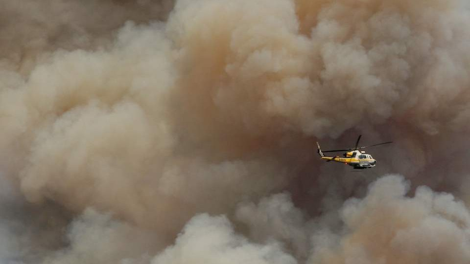 Morris Fire burns hundred of acres in the Angeles National Forest