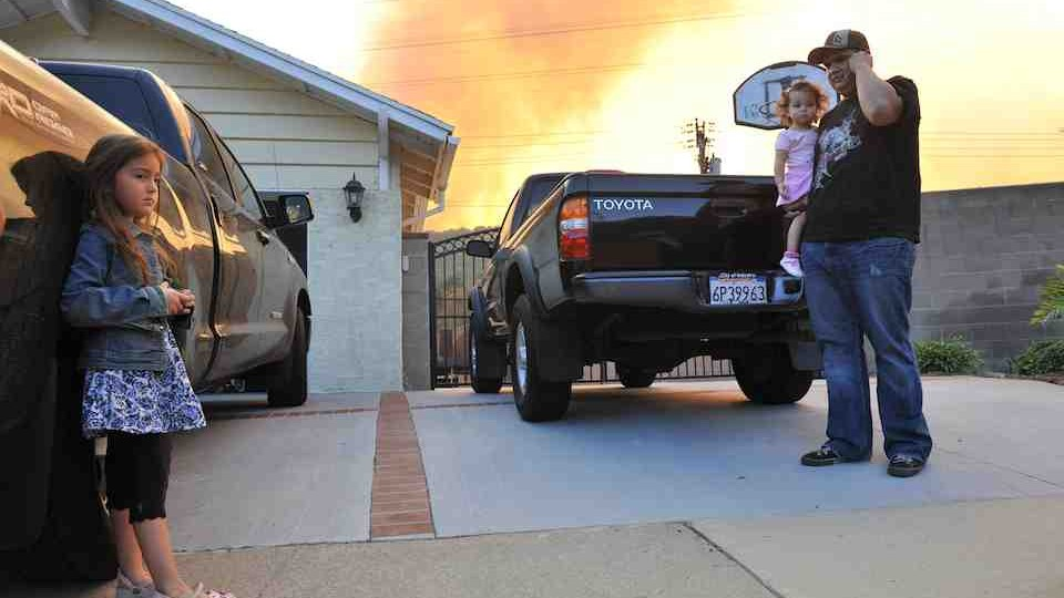 UPSCALE NEIGHBORHOODS IN DIAMOND BAR AT THREAT FROM CALIFORNIA WILDFIRES